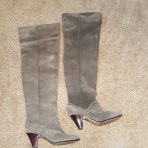 Vtg 80s Thigh High Gray Suede Boot sz 7.5
